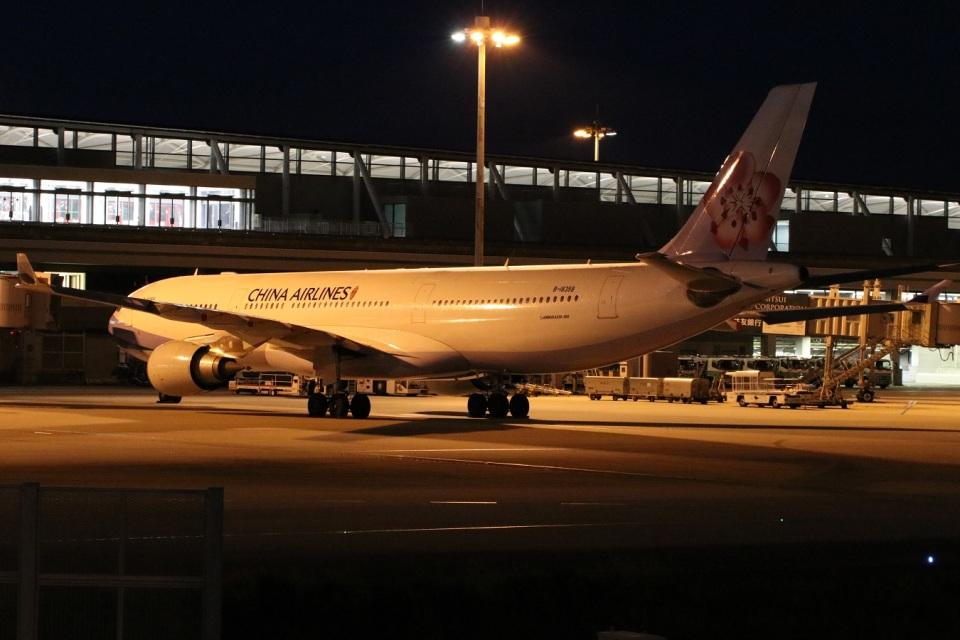 つっさんさんのチャイナエアライン Airbus A330-300 (B-18358) 航空フォト