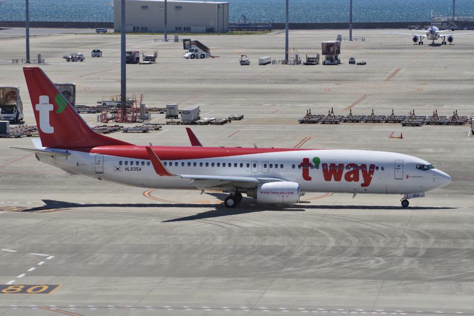 yabyanさんのティーウェイ航空 Boeing 737-800 (HL8354) 航空フォト