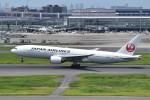 T.Kawaseさんが、羽田空港で撮影した日本航空 777-289の航空フォト(写真)