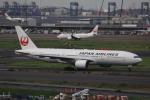 けいとパパさんが、羽田空港で撮影した日本航空 777-246の航空フォト(写真)