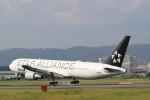 Tango Alphaさんが、伊丹空港で撮影した全日空 767-381/ERの航空フォト(写真)
