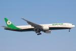 セブンさんが、新千歳空港で撮影したエバー航空 777-35E/ERの航空フォト(飛行機 写真・画像)