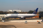 セブンさんが、パリ シャルル・ド・ゴール国際空港で撮影したユナイテッド航空 767-322/ERの航空フォト(写真)