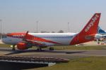 セブンさんが、パリ シャルル・ド・ゴール国際空港で撮影したイージージェット A320-214の航空フォト(写真)