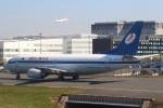 セブンさんが、パリ シャルル・ド・ゴール国際空港で撮影したベラヴィア航空 737-36Mの航空フォト(飛行機 写真・画像)