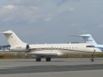 た~きゅんさんが、フランクフルト国際空港で撮影したドイツ個人所有 BD-700-1A10 Global Expressの航空フォト(写真)