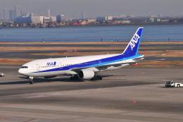 ポン太さんが、羽田空港で撮影した全日空 777-281の航空フォト(写真)