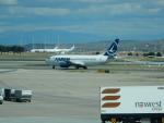 kiyohsさんが、マドリード・バラハス国際空港で撮影したタロム航空 737-38Jの航空フォト(写真)