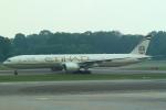セブンさんが、シンガポール・チャンギ国際空港で撮影したエティハド航空 777-3FX/ERの航空フォト(飛行機 写真・画像)