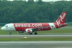 セブンさんが、シンガポール・チャンギ国際空港で撮影したエアアジア A320-216の航空フォト(飛行機 写真・画像)