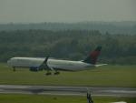 kiyohsさんが、成田国際空港で撮影したデルタ航空 767-332/ERの航空フォト(写真)