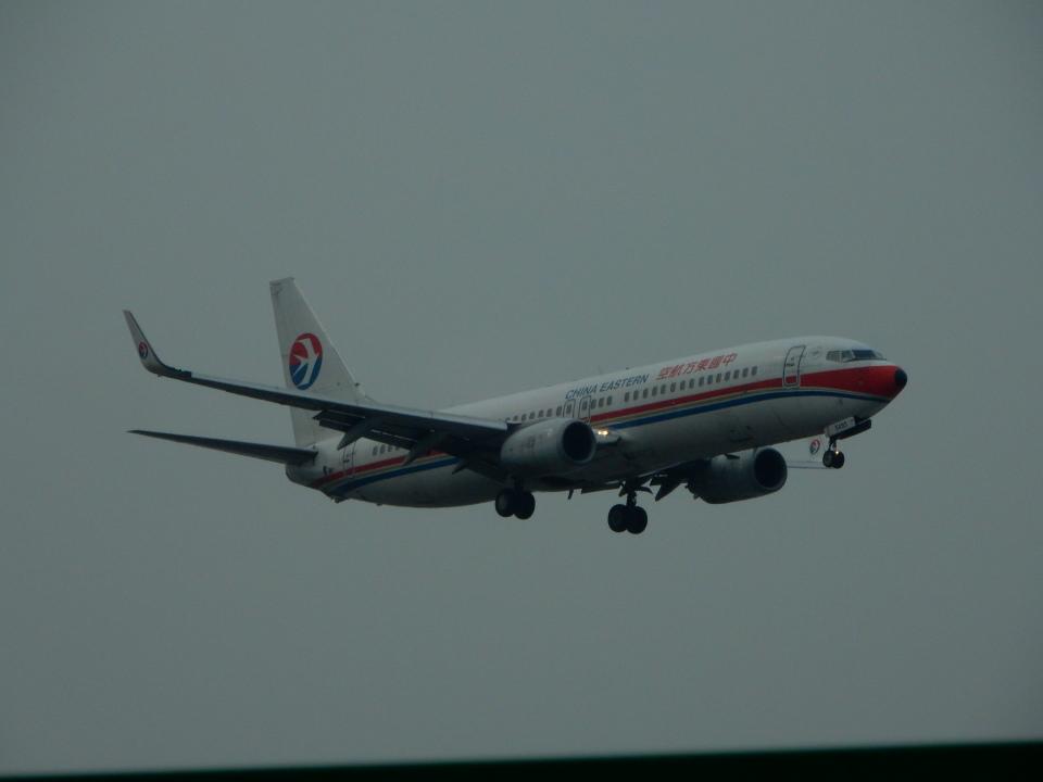 kiyohsさんの中国東方航空 Boeing 737-800 (B-5493) 航空フォト