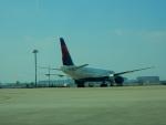 kiyohsさんが、上海浦東国際空港で撮影したデルタ航空 777-232/ERの航空フォト(飛行機 写真・画像)
