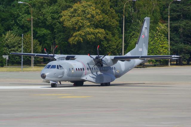 PASSENGERさんが、ワルシャワ・フレデリック・ショパン空港で撮影したポーランド空軍 C-295Mの航空フォト(飛行機 写真・画像)