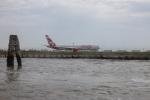チャッピー・シミズさんが、ヴェネツィア マルコ・ポーロ国際空港で撮影したエア・カナダ・ルージュ 767-333/ERの航空フォト(写真)