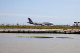 チャッピー・シミズさんが、ヴェネツィア マルコ・ポーロ国際空港で撮影したブリュッセル航空 A320-214の航空フォト(飛行機 写真・画像)