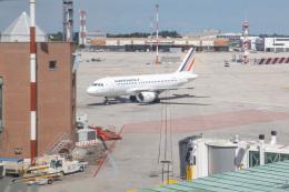 チャッピー・シミズさんが、ヴェネツィア マルコ・ポーロ国際空港で撮影したエールフランス航空 A319-111の航空フォト(飛行機 写真・画像)