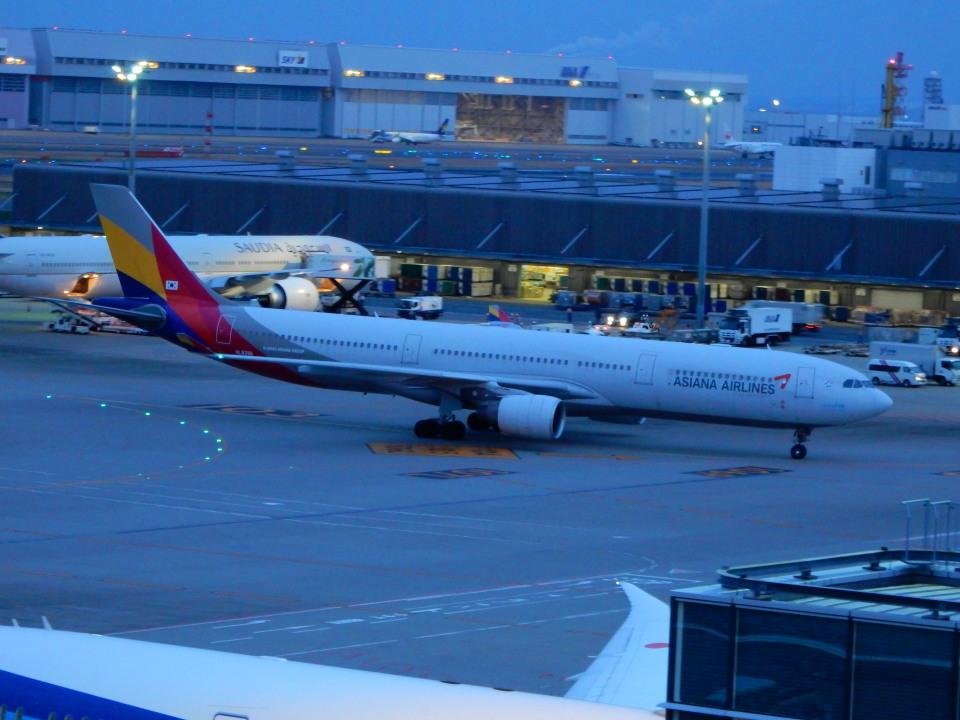 kiyohsさんのアシアナ航空 Airbus A330-300 (HL8286) 航空フォト