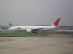 keitsamさんが、上海虹橋国際空港で撮影した日本航空 777-246/ERの航空フォト(写真)