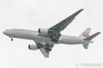 遠森一郎さんが、福岡空港で撮影した日本航空 777-289の航空フォト(写真)