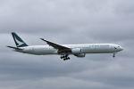 ワイエスさんが、成田国際空港で撮影したキャセイパシフィック航空 777-367の航空フォト(写真)