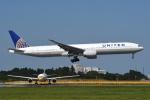 tassさんが、成田国際空港で撮影したユナイテッド航空 777-322/ERの航空フォト(写真)