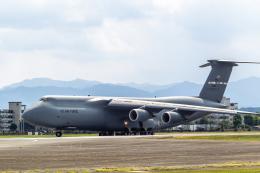 ファントム無礼さんが、横田基地で撮影したアメリカ空軍 C-5M Super Galaxyの航空フォト(飛行機 写真・画像)