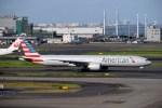 よんすけさんが、羽田空港で撮影したアメリカン航空 777-323/ERの航空フォト(写真)