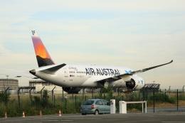 garrettさんが、パリ シャルル・ド・ゴール国際空港で撮影したエール・オーストラル 787-8 Dreamlinerの航空フォト(飛行機 写真・画像)