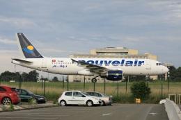 garrettさんが、パリ シャルル・ド・ゴール国際空港で撮影したヌーべルエア・チュニジア A320-214の航空フォト(飛行機 写真・画像)