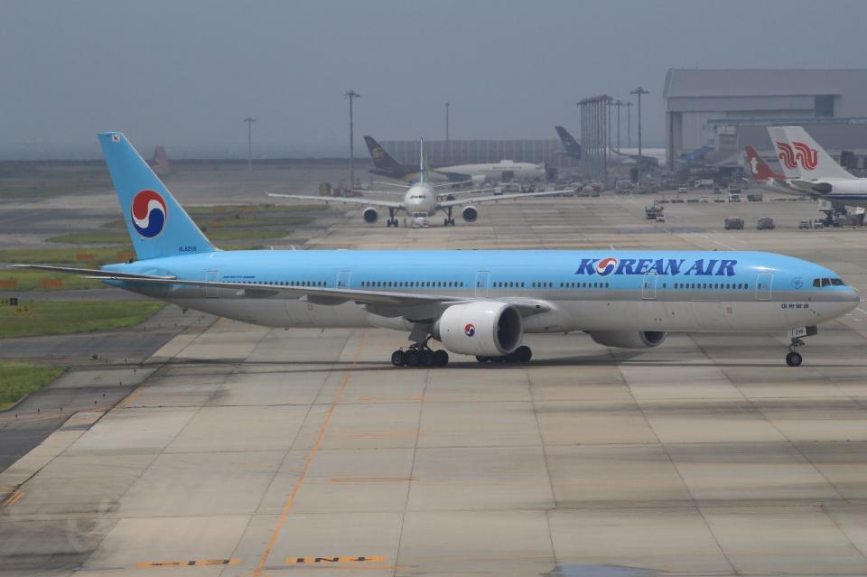 キイロイトリさんの大韓航空 Boeing 777-300 (HL8216) 航空フォト