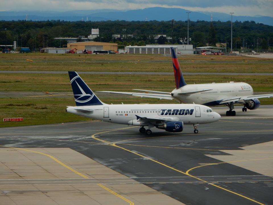 kiyohsさんのタロム航空 Airbus A318 (YR-ASC) 航空フォト