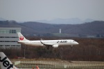 zero1さんが、新千歳空港で撮影したジェイ・エア ERJ-190-100(ERJ-190STD)の航空フォト(写真)