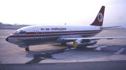 cathay451さんが、伊丹空港で撮影したマレーシア航空 737-2H6/Advの航空フォト(飛行機 写真・画像)