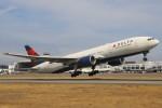 masa707さんが、シアトル タコマ国際空港で撮影したデルタ航空 777-232/ERの航空フォト(写真)