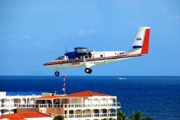 まいけるさんが、プリンセス・ジュリアナ国際空港で撮影したウィンエア DHC-6-300 Twin Otterの航空フォト(飛行機 写真・画像)