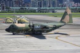 みるぽんたさんが、台北松山空港で撮影した中華民国空軍 C-130H Herculesの航空フォト(飛行機 写真・画像)