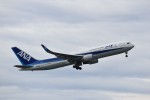 T.Kawaseさんが、成田国際空港で撮影した全日空 767-381/ERの航空フォト(写真)