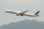 OMAさんが、香港国際空港で撮影したユナイテッド航空 777-322/ERの航空フォト(写真)