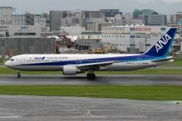 mototripさんが、福岡空港で撮影した全日空 767-381/ERの航空フォト(飛行機 写真・画像)