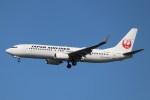 BOEING737MAX-8さんが、羽田空港で撮影した日本航空 737-846の航空フォト(写真)