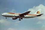 tassさんが、ロンドン・ヒースロー空港で撮影したイベリア航空 A300B4-120の航空フォト(写真)