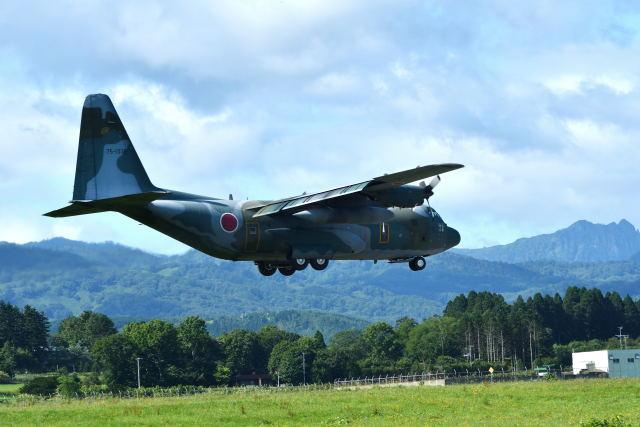 航空自衛隊 Lockheed C-130 Hercules 75-1076 八雲分屯基地  航空フォト | by GOQさん