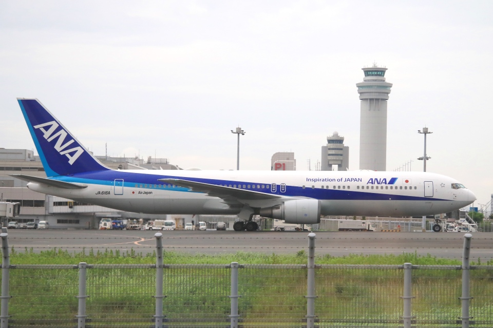 Hiro-hiroさんの全日空 Boeing 767-300 (JA616A) 航空フォト