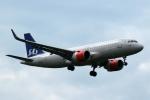 採れたてほしいもさんが、ロンドン・ヒースロー空港で撮影したスカンジナビアン・エアラインズ・アイルランド A320-251Nの航空フォト(写真)