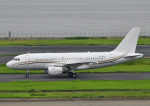 じーく。さんが、羽田空港で撮影したコムラックス・マルタ A319-115X CJの航空フォト(飛行機 写真・画像)