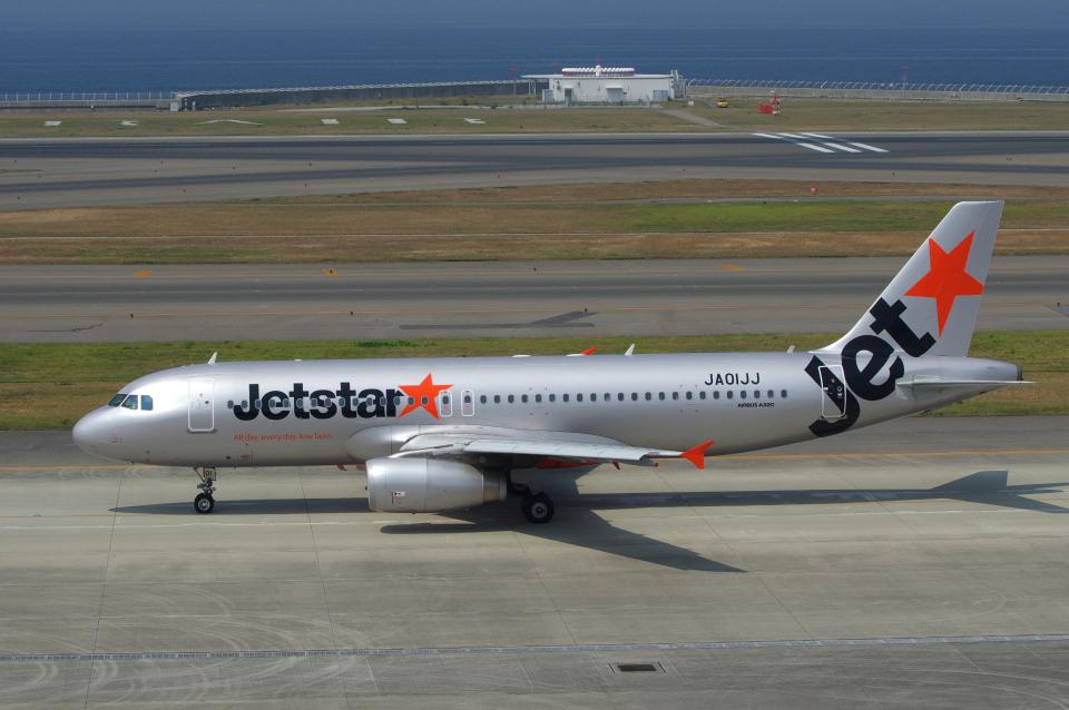 yabyanさんのジェットスター・ジャパン Airbus A320 (JA01JJ) 航空フォト