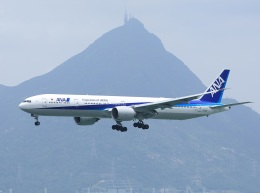 garrettさんが、香港国際空港で撮影した全日空 777-381/ERの航空フォト(飛行機 写真・画像)