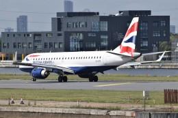k-spotterさんが、ロンドン・シティ空港で撮影したBAシティフライヤー ERJ-190-100 SR (ERJ-190SR)の航空フォト(飛行機 写真・画像)