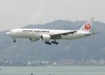 garrettさんが、香港国際空港で撮影した日本航空 777-246/ERの航空フォト(写真)